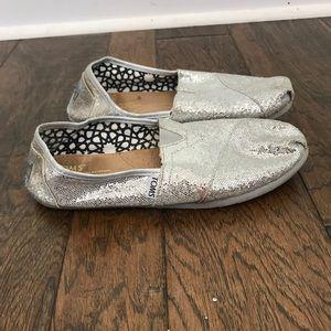 Toms silver glitter women's size 7